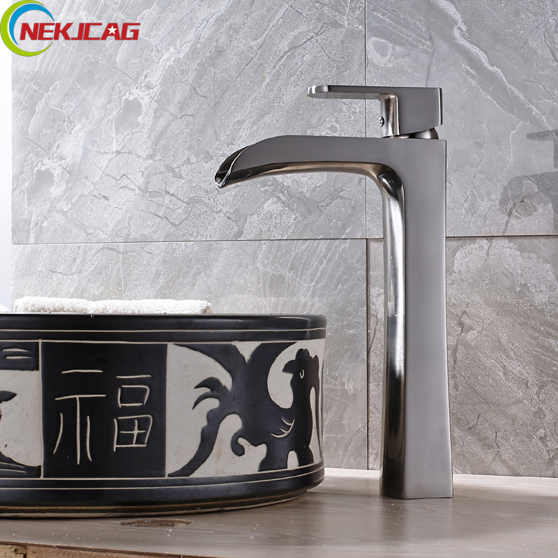 Chrome Finished Waterfall Brass Basin Faucet Sink Mixer Taps Hot and Cold Water Tap Single Handle Faucet леска монофильная sufix xl strong x10 clear 100м длина 100 м диам 0 45 мм тест 15 4 кг