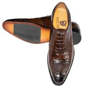 Image 5 - Zapatos Oxford de cuero genuino para hombre, calzado Formal de lujo con punta estrecha, a cuadros, para boda