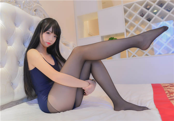 Cos小姐姐雪琪 - 死库水[19P/172MB]