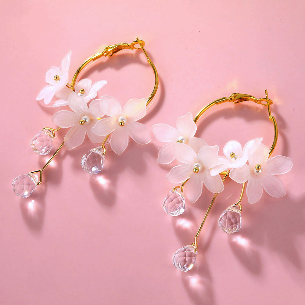 IPARAM Fashion Korean Flower Drop Earrings for Women White Acrylic Drops Temperament Earrings Brinco Jewelry Wholesale Jewelry