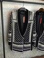 2015 Chaqueta de Edición Limitada Negro Embellecido Perlas Blancas Piedras Grano Chaquetas bordado Con Cuello En V cuello chal abrigo de Terciopelo