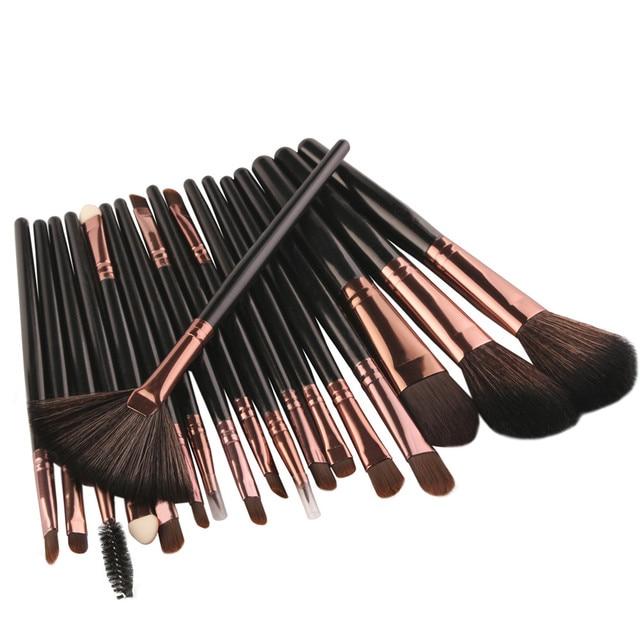 Nueva 18 piezas alta calidad de cepillo del maquillaje herramientas maquillaje Toiletry Kit Powder Foundation Eyeshadow maquillaje cepillo conjunto s10 se25