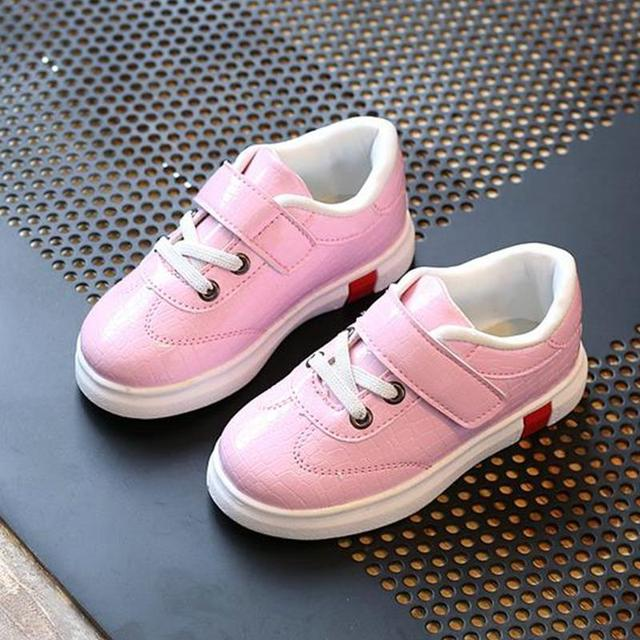 6c28be73ab65a Niñas bebés niños moda de cuero zapatillas de deporte para niños zapatillas  de deporte corrientes zapatos