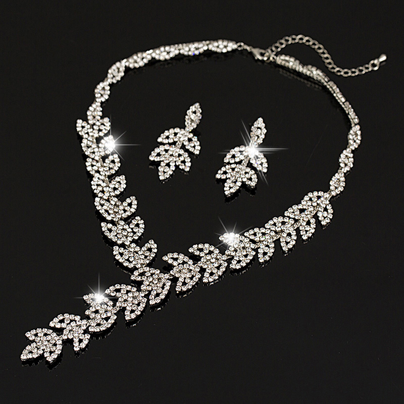 2018 fashion Tassel enchase Pendant Necklace Silver Plated Austrian Crystal Wedding Jewelry Sets Dinner accessories gifts wholes