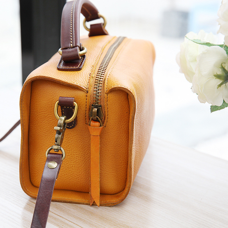 YIFANGZHE Small Women Genuine Leather Messenger Bag, Vintage Style Fashion Cowhide Shoulder Bags Handbag Genuine Leather