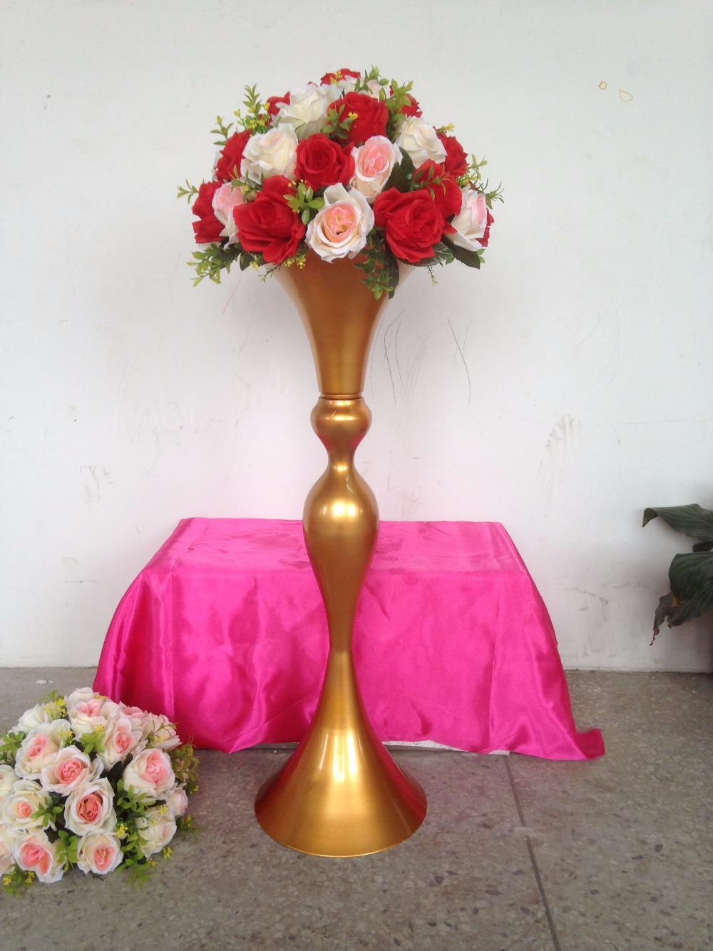 New style 79cm 311 gold wedding flower vase wedding table stand new style 79cm 311 gold wedding flower vase wedding table stand wedding decoration wedding road leads 10 pcslot in vases from home garden on izmirmasajfo Images