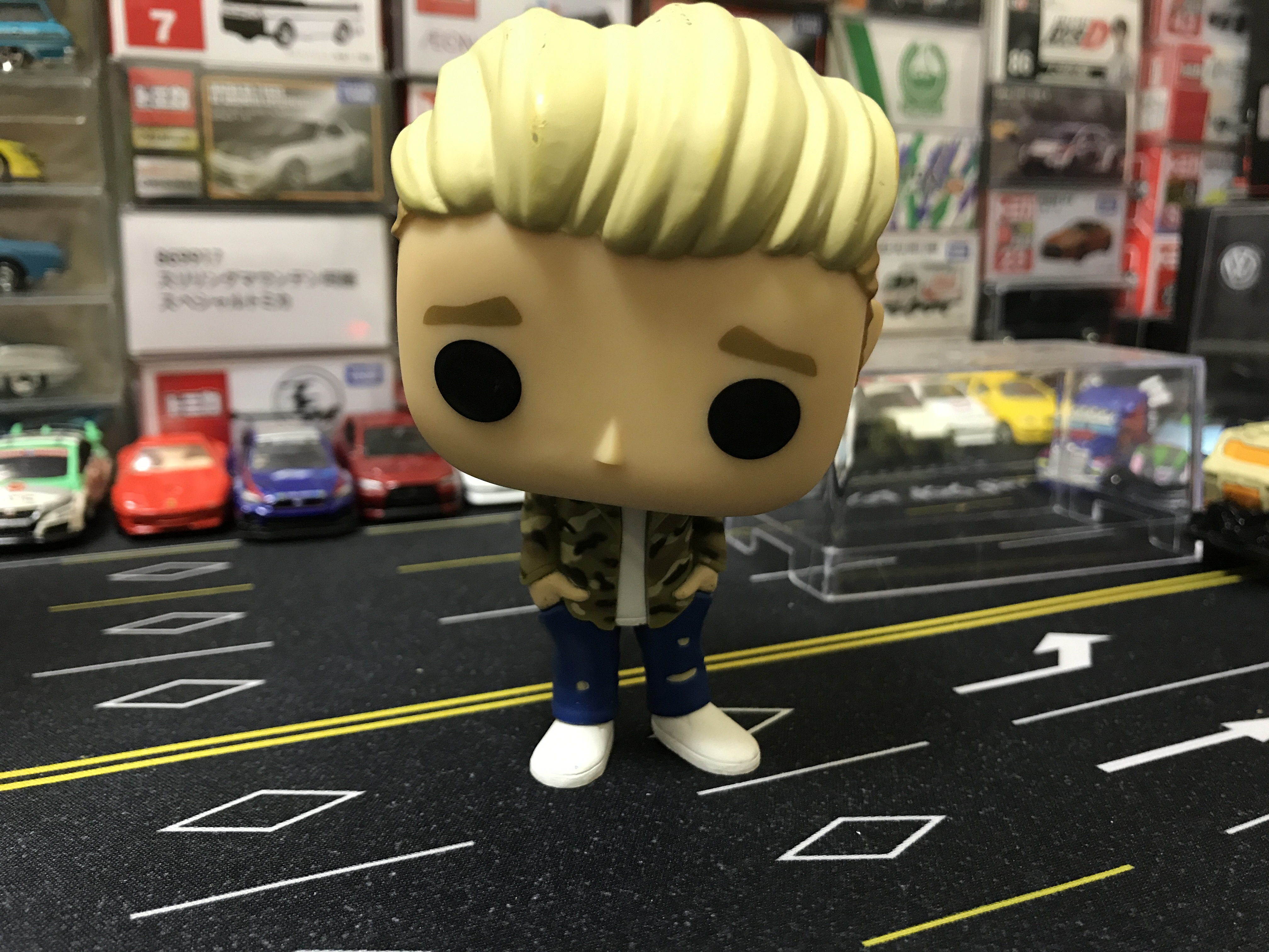 Imperfect Funko POP Secondhand Rocks: Music - Justin Bieber Singer Vinyl Action Figure C ...