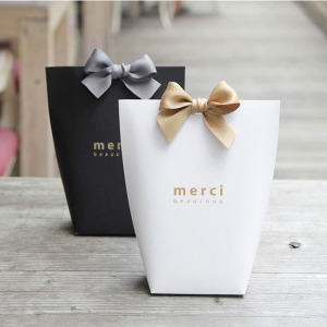 "5pcs Upscale Black White Bronzing ""Merci"" Candy Bag French Thank You Wedding Favors Gift Box Package Birthday Party Favor Bags(China)"