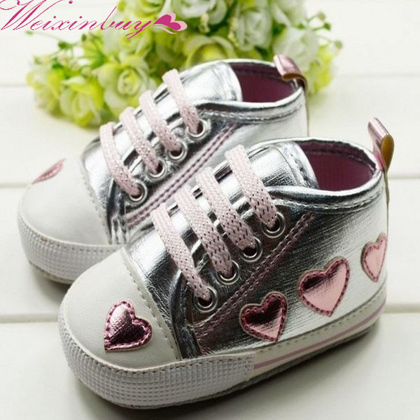 WEIXINBUY 0-18M Baby Toddler Girls Cute Shoes Silver Crib Heart Walking Soft Sneaker First Walkers New Freeshipping X5H2