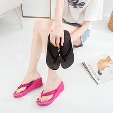 Летние женские шлепанцы; обувь на танкетке; пикантные босоножки на высоком каблуке; однотонные Вьетнамки; женские шлепанцы пляжная обувь; zapatos mujer