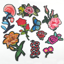 10Pcs/Lot Rose Flower Cartoon Patches For Clothes Application Jeans Bag Applique Iron On Embroidered  Sewing Accessories BT113