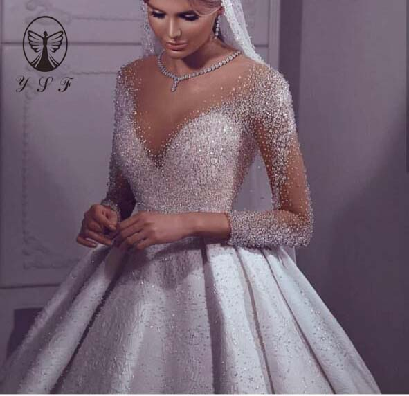Luxury Vestidos De Novias O Neck Beaded Crystals Bling Bling Pleated Floor Length Long Sleeve Ball Gown Puffy Wedding Dresses