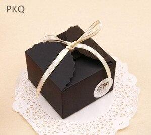 Image 3 - 50 stuks Rood/Zwart/Bruin Papier Doos Bruiloft Gunsten Snoep Doos Kleine Gift Box voor Sieraden DIY cookie/Muffin Verpakking 9x9x6 cm