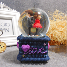 lovely music box the couple design desk decorative crystal ball ornament birthday souvneir gifts for home decor and collection