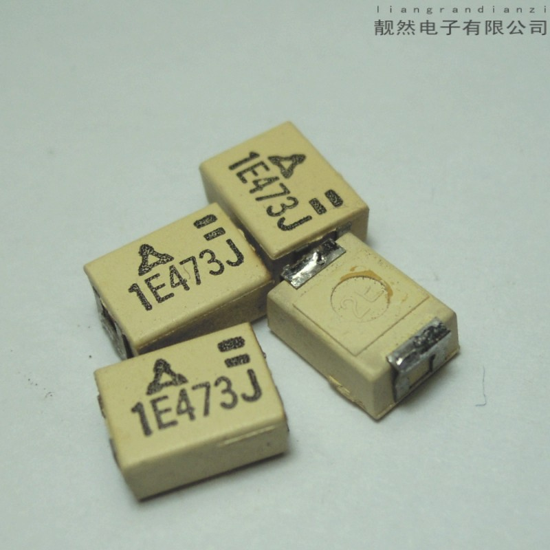 ФОТО 0.047UF 25V audio chip ceramic silver film stacked no sense of capacitance