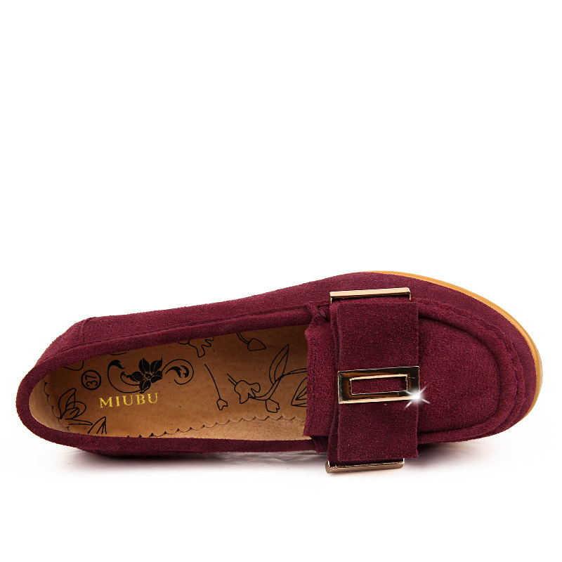 MIUBU Donne pompe piattaforma scarpe In Pelle scamosciata fibbia In Metallo Bow tie alta quadrati Talloni Delle Signore del cuneo Vino rosso Blu Verde PF 014
