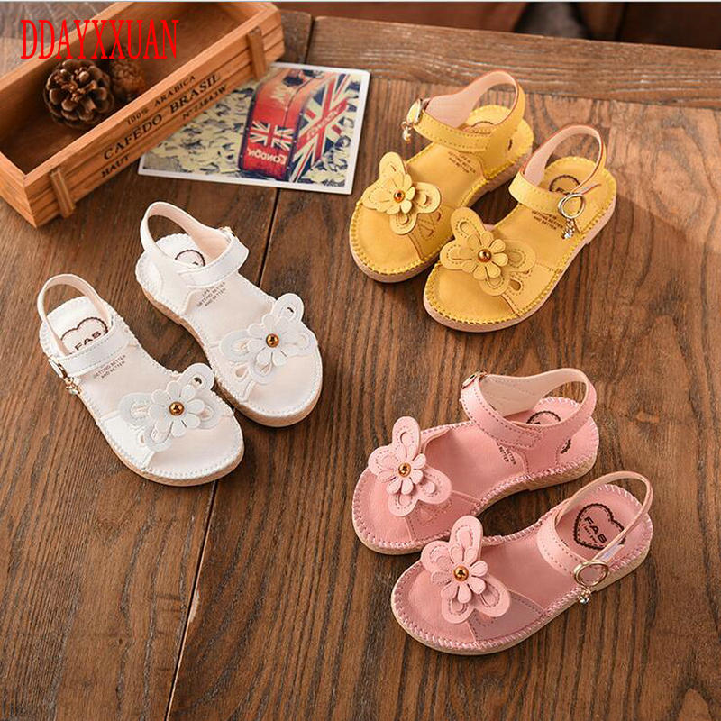 cafac0ef2 2018 New Fashion Girls PU Sandals children sandal summer kids Princess cute  Bowtie Lovely shoes girls Flat Leather shoes 3 Color
