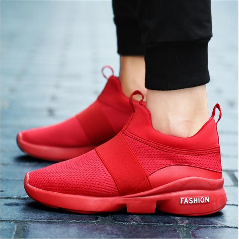 2018 new sports men shoes mesh breathable lightweight black running shoes feet Sneakers men flying woven tide air shoes