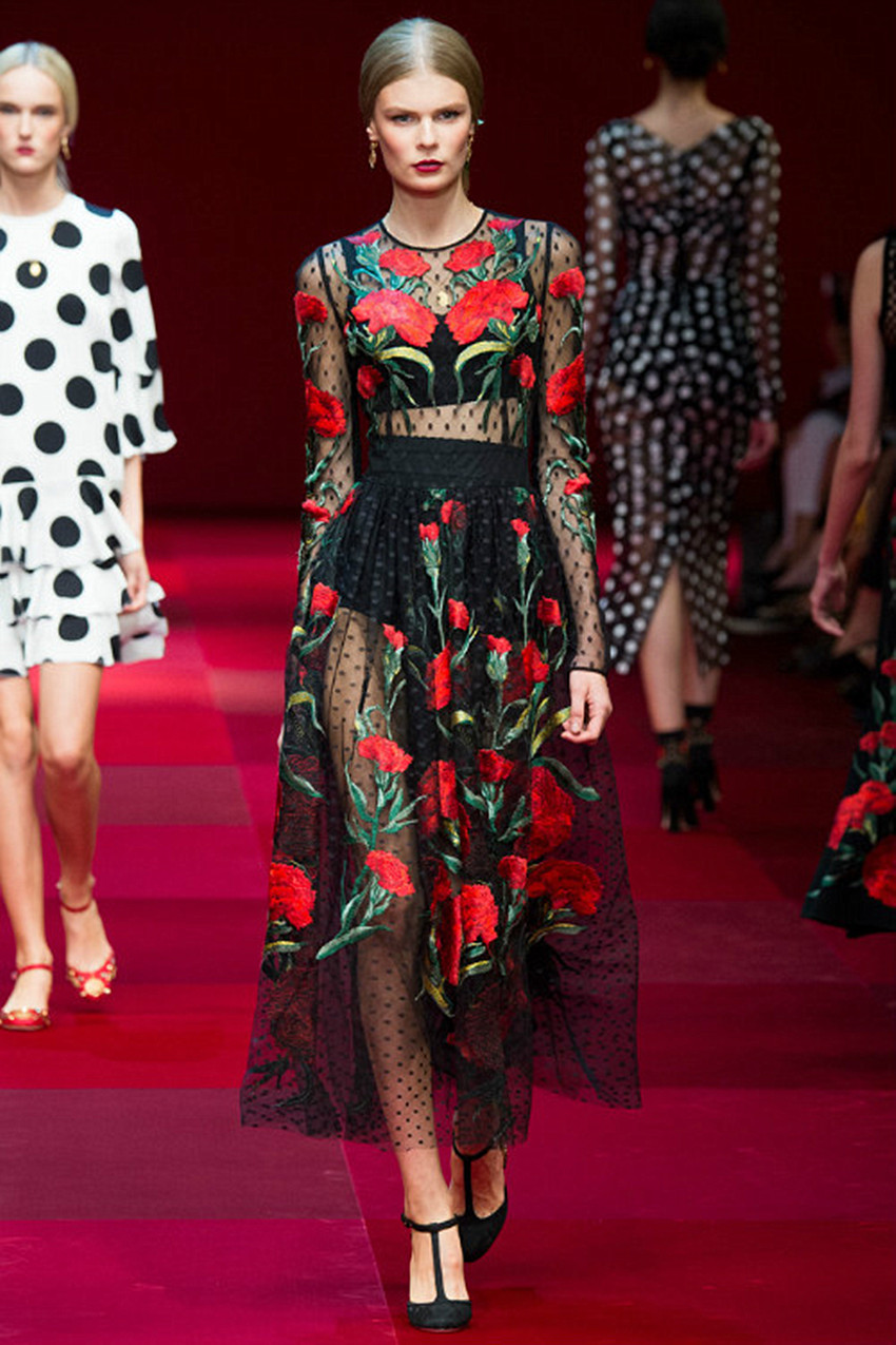 Fashion Show 2016 Robe Femme Spring Autumn Women Dresses Black Mesh Robe Sexy Full Dress Red Embroidery Flowers Long Dress
