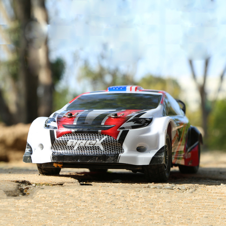 цена на Wltoys A949 Rc Car 1/18 2.4Gh 4WD Rally Car 100m Control distance 50Km/H Speed High Quality Car Body With Transmitter VS A959
