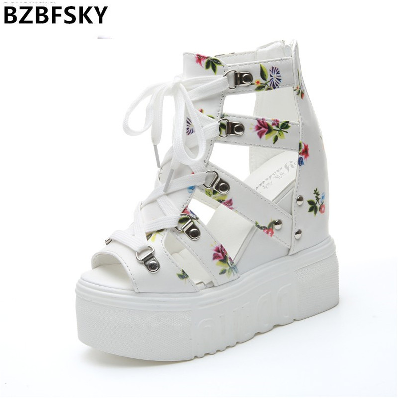 цена на 2017 Women Sandals Harajuku Summer New Fashion Platform Sandals Wedges Thick Bottom Casual Women Shoes High Heels Sandalias