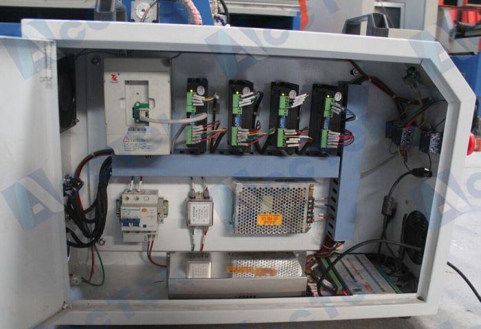 AKG6090 cnc router (12).jpg