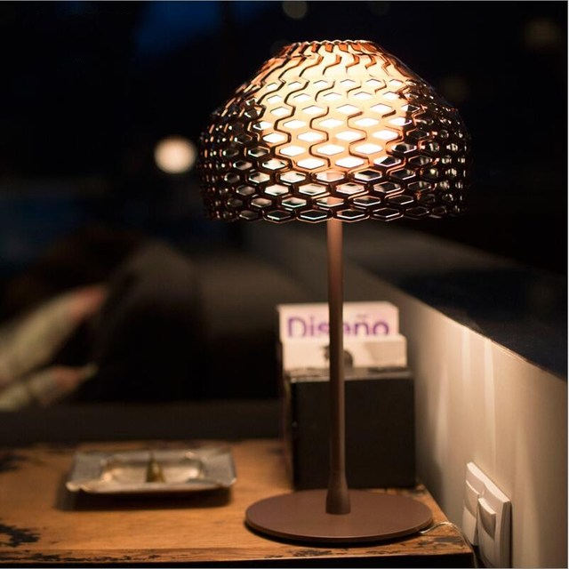 Italy Design Flos White/Black Acrylic Shade Bee Nest LED Table Light Desk Lamps for Bedroom Study Room Guest Room Project Lights