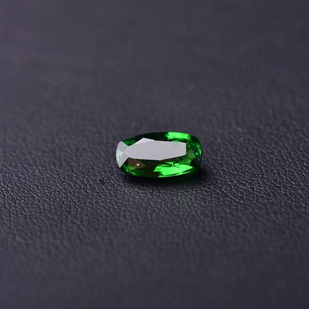 1,54 Ct Granat Natürliche Oberfläche Perfekte Scintillation. Spezifikation: 9,3mm * 5,2mm * 3,5mm