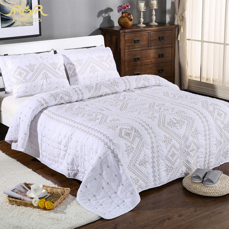 ROMORUS Luxury 3 Pieces Set White 100 Cotton Quilted Bedspread Set Embroidered Thick Bed Sheet Set