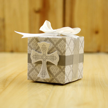цена Hot!100Pcs/lot Cross Candy Box Wedding Decor Gift Box Sugar Box Wedding Blessings Happy Birthday Christian Symbol Party Supplies онлайн в 2017 году