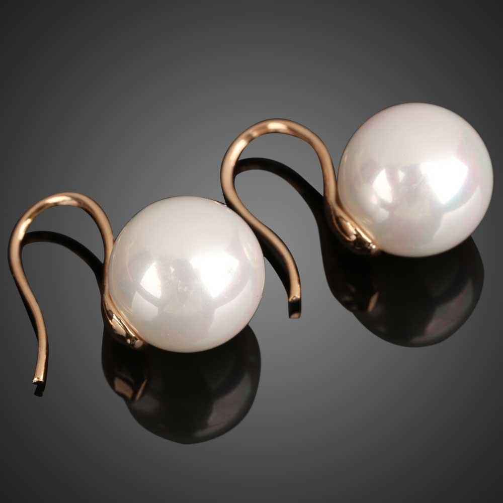 人工真珠の白いファッションの新しいペアイヤリング耳の爪耳飾りスタッドイヤリングM193真珠