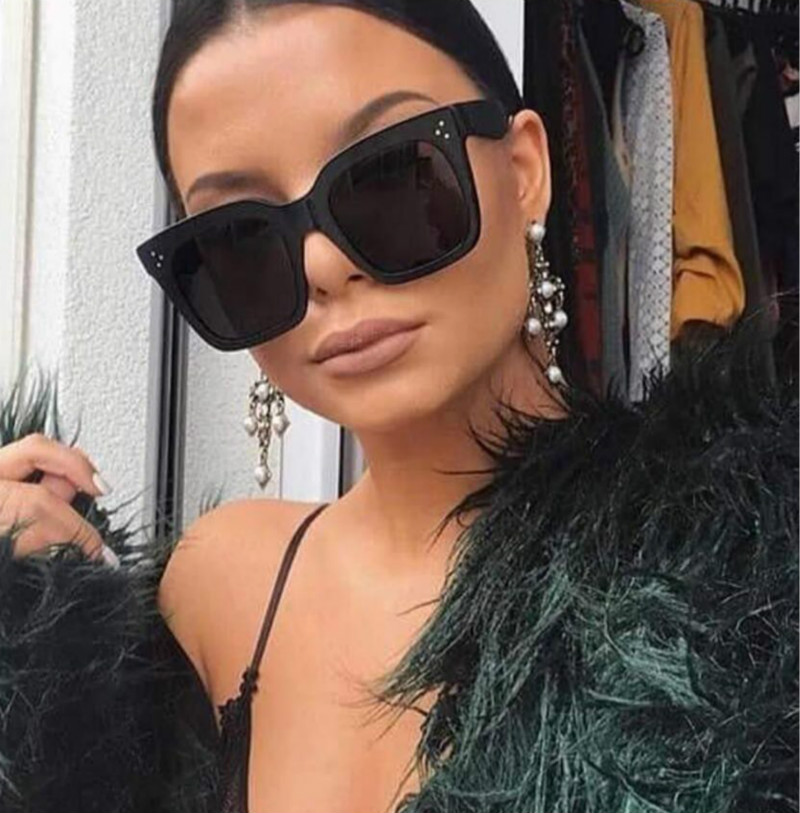 2018 Kim Kardashian Sunglasses Lady Flat Top Eyewear Lunette Femme Women Luxury Brand Sunglasses Women Rivet Sun Glasse UV400 image