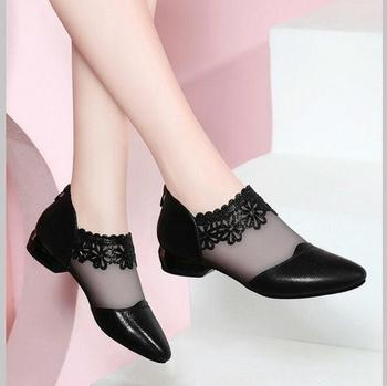 3d5dfe3fea64bd 2019 Summer New Elegant women black Net yarn Flat shoes woman breathable  pointed sandals Fashion lace ladies Ankle Boots 35-40