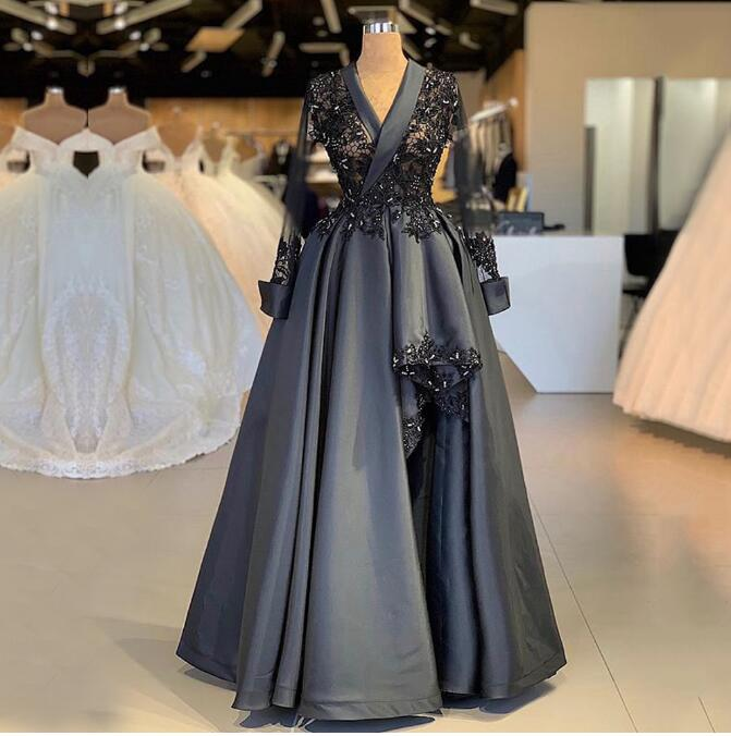 Long Sleeves Top See Through High Split Party Dress 2019 Deep V Neck Beaded Black Lace Women Formal Evening Gown robe de soiree