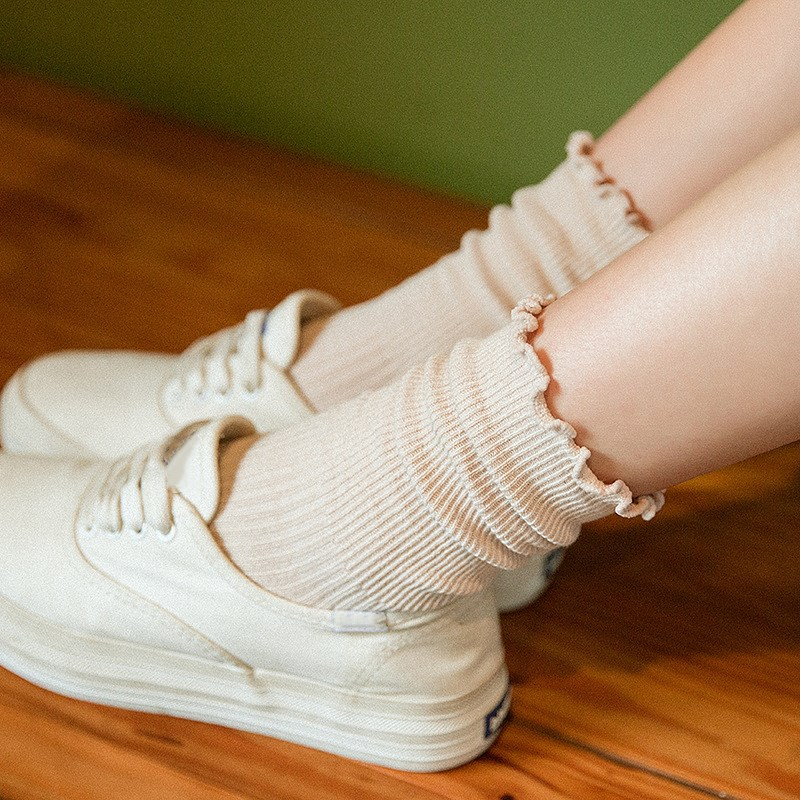 Women Warm Wool Mid Tube Socks Breathable Black Cute Harajuku Pink Cotton Short Ruffle Retro Fuzzy Socks For Girls
