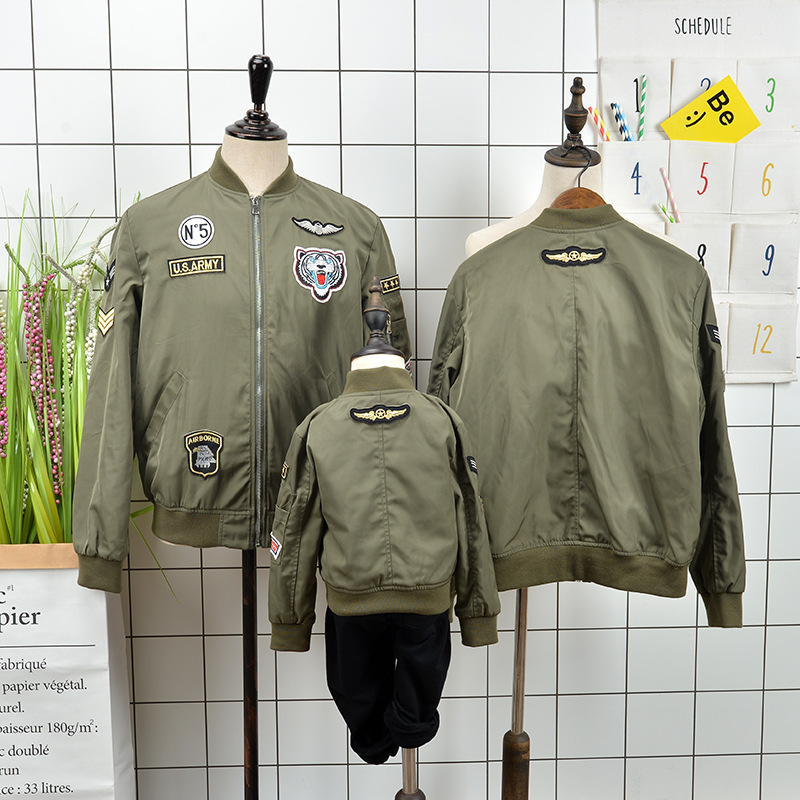 Family matching outfits embroidery jacket family clothing mom dad daughter son patch pilot coat family matching clothes 2015 summer family clothing sets mother father child matching dad mom daughter son t shirt and shorts family look ma e filha