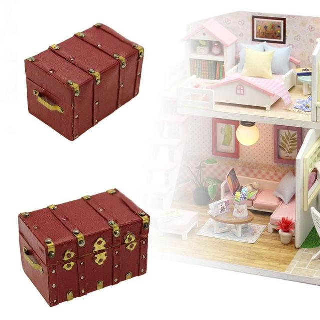 Doll House 1:12 Scale Wood Mini Red Trunk