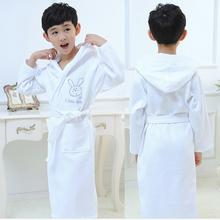 Купить с кэшбэком new 2016 kids white cotton bathrobe boy hooded poncho towel pink bathrobe for girls roupao blue loose long pajamas bath robes