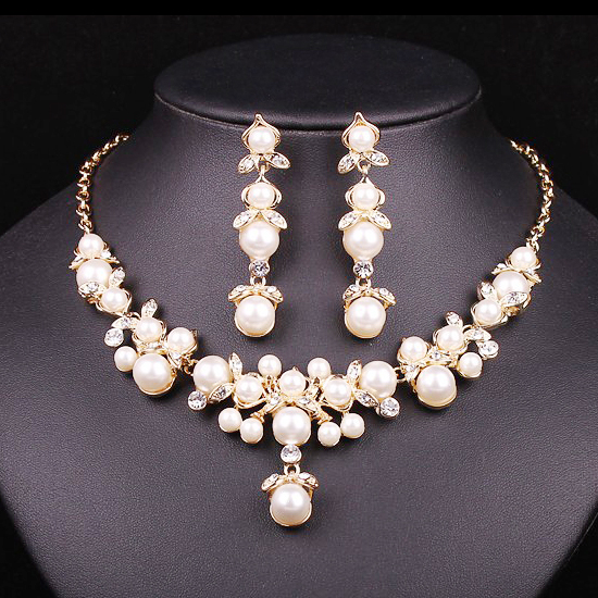 buy trendy indian jewelry set wedding