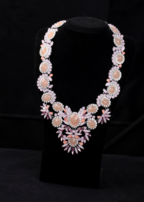 Office ladies Favourite Bib Statement Necklace Fashion Resin Glass Zinc Alloy Chunky Chain Necklace for Women