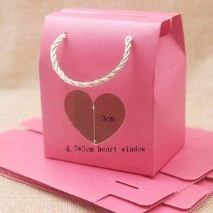 Image 5 - Feiluan 50 pcs in bianco della maniglia di carta contenitore di regalo con il cuore/retangular finestra in pvc contenitore di regali/della caramella di/wedding favore di cerimonia nuziale casella di visualizzazione borsa