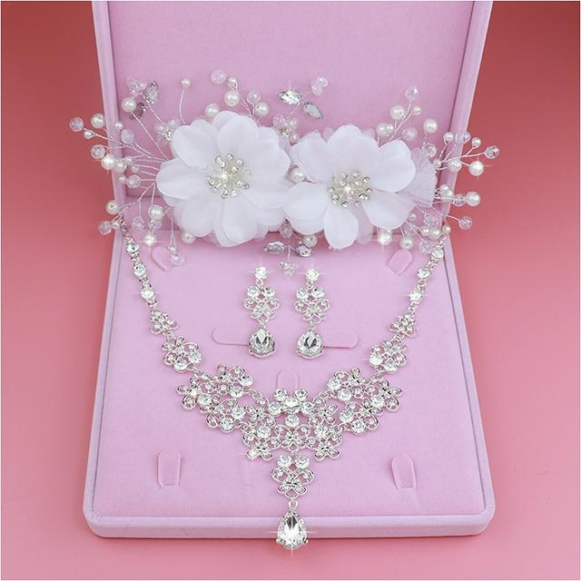 Design de Moda Flor de Cristal Brincos de Noiva 3 PCS Colares Coroas Tiaras  Nupcial Do 82dd586577