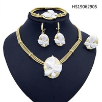 Yulaili White Petals Romantic Gold Pendant Necklaces Earring Ring Dubai Jewelry Sets for Women Gifts Engagement Anniversary
