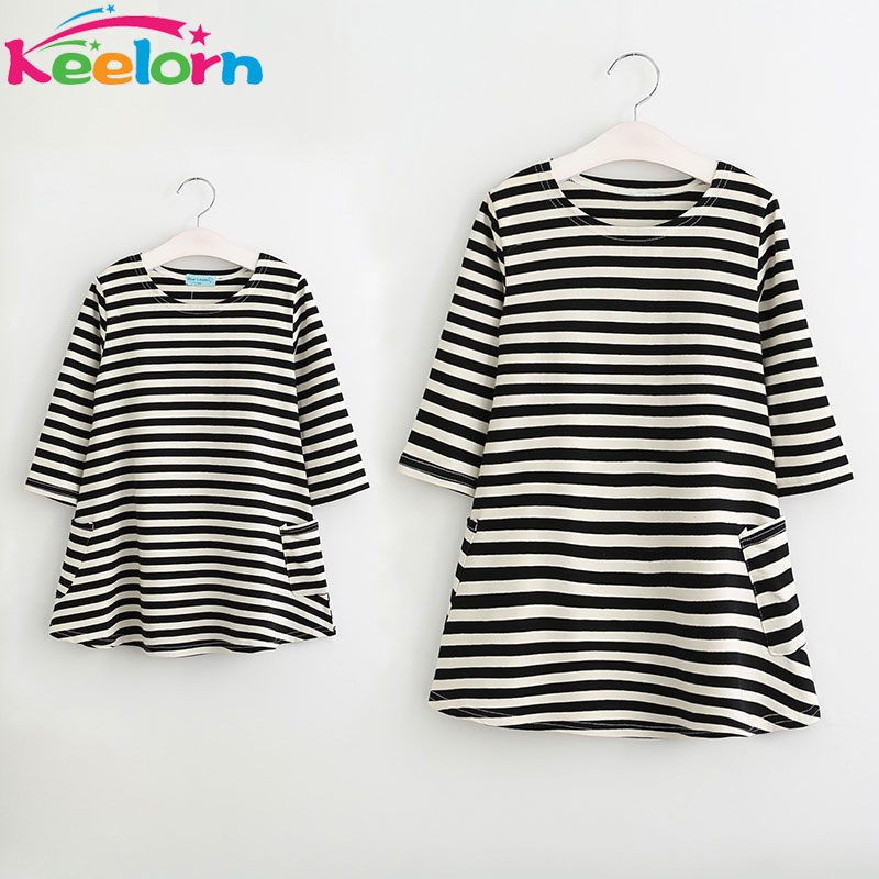 Keelorn ילדה שמלת 2018 חדש סגנון משפחת התאמת תלבושות אמא ובת סתיו מלא שחור פסים שמלת משלוח חינם