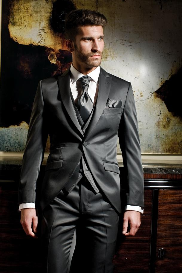 New Arrival Groom Tuxedo Shiny Grey Groomsmen Peak Lapel Wedding/Dinner Suits Best Man Bridegroom (Jacket+Pants+Tie+Vest)B326