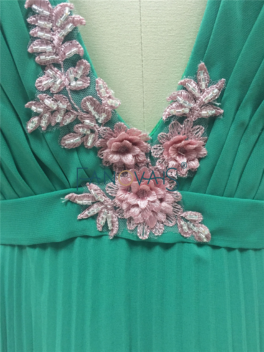 Sexy Lupita Nyongo Emerald Green Chiffon Celebrity Dress Cannes Festival 2015 Appliques Evening Gowns Evening Dresses CD13