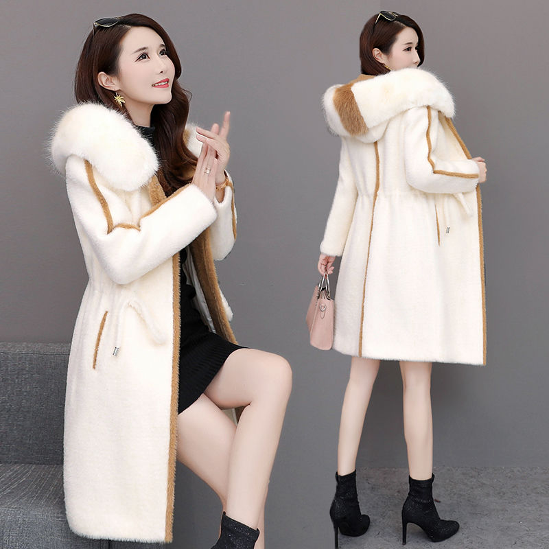 2019 Golden Mink Fleece Overcoat Female Mink Fleece Winter Style New Fashion Korean Version Mid-long Hat Fabric Overcoat