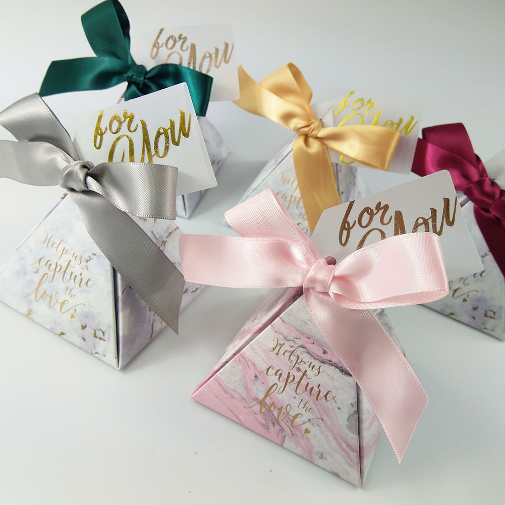 New Gray Pink Triangle Paper Candy Box With Different Colors Ribbons Wedding Favor Gift Boxes Gift Bags For Baby Shower Party