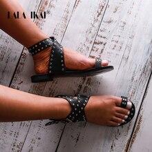 Lala Ikai Võ Sĩ Giác Đấu Giày Sandal Nữ Mùa Hè Bên Ngoài PU Da Đinh Tán Khóa Dây Nữ Đế Bằng Nữ Sandalias 014A3508 45