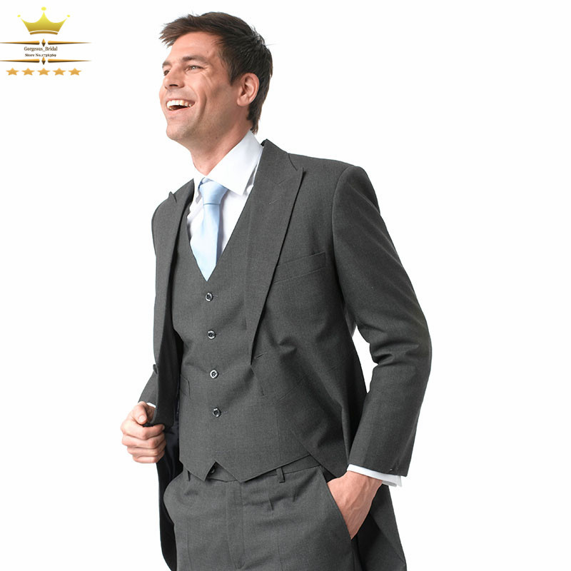 The go to look for most vintage men attending a wedding is a suit. Most men today don't like to wear a suit, especially in summer, because they can be hot and restrictive. Fortunately men in the golden era knew exactly how to dress dapper in the heat.
